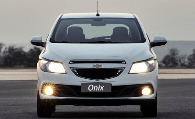 carro Chevrolet Onix LTZ 1.4 Branco