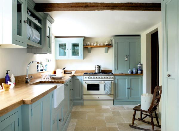 Traditional cottage kitchen interior heaven for Period kitchen design