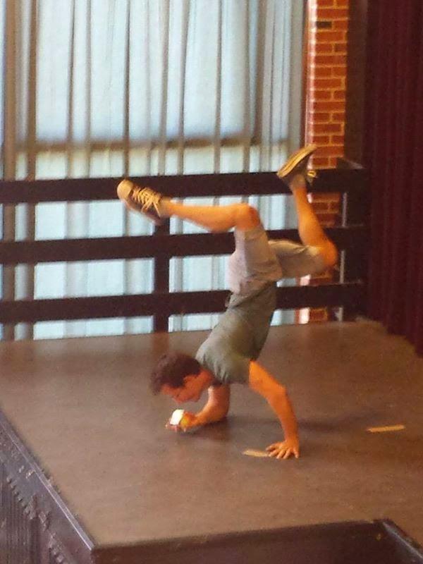 rubik solving handstand cube one handed gymnastics