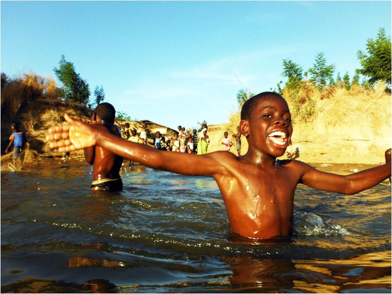 Compact Camera, Best Photo of the Day in Emphoka by Helen Jones-Florio, Fujifilm FinePix XP150, https://flic.kr/p/dX4hi9