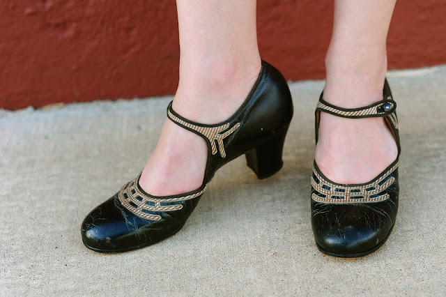 Flashback Summer: 1920s Photo Shoot, shoes