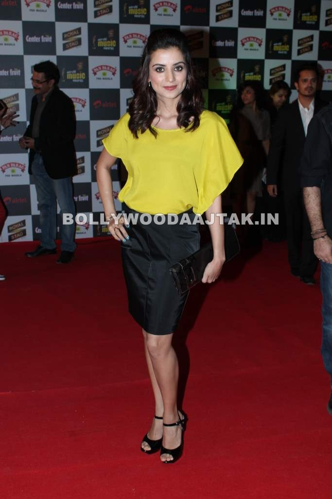 , Kulraj Randhawa At Radio Mirchi Music Awards 2012