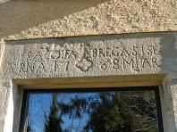 Una de les llindes gravades de l'antiga rectoria d'Orís