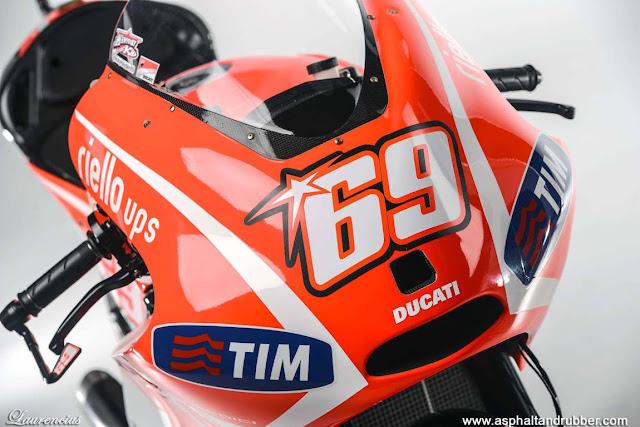 MotoGP-2013-Ducati-Desmosedici-GP13-MotoGP-Bike_9