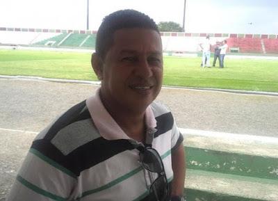 Colo Colo anuncia Gilmey Aimbere como novo treinador