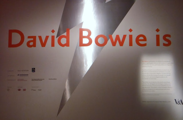 David Bowie Is Exhibit at the Art Gallery of Ontario, Toronto review and visit by melanie.ps the purplescarf