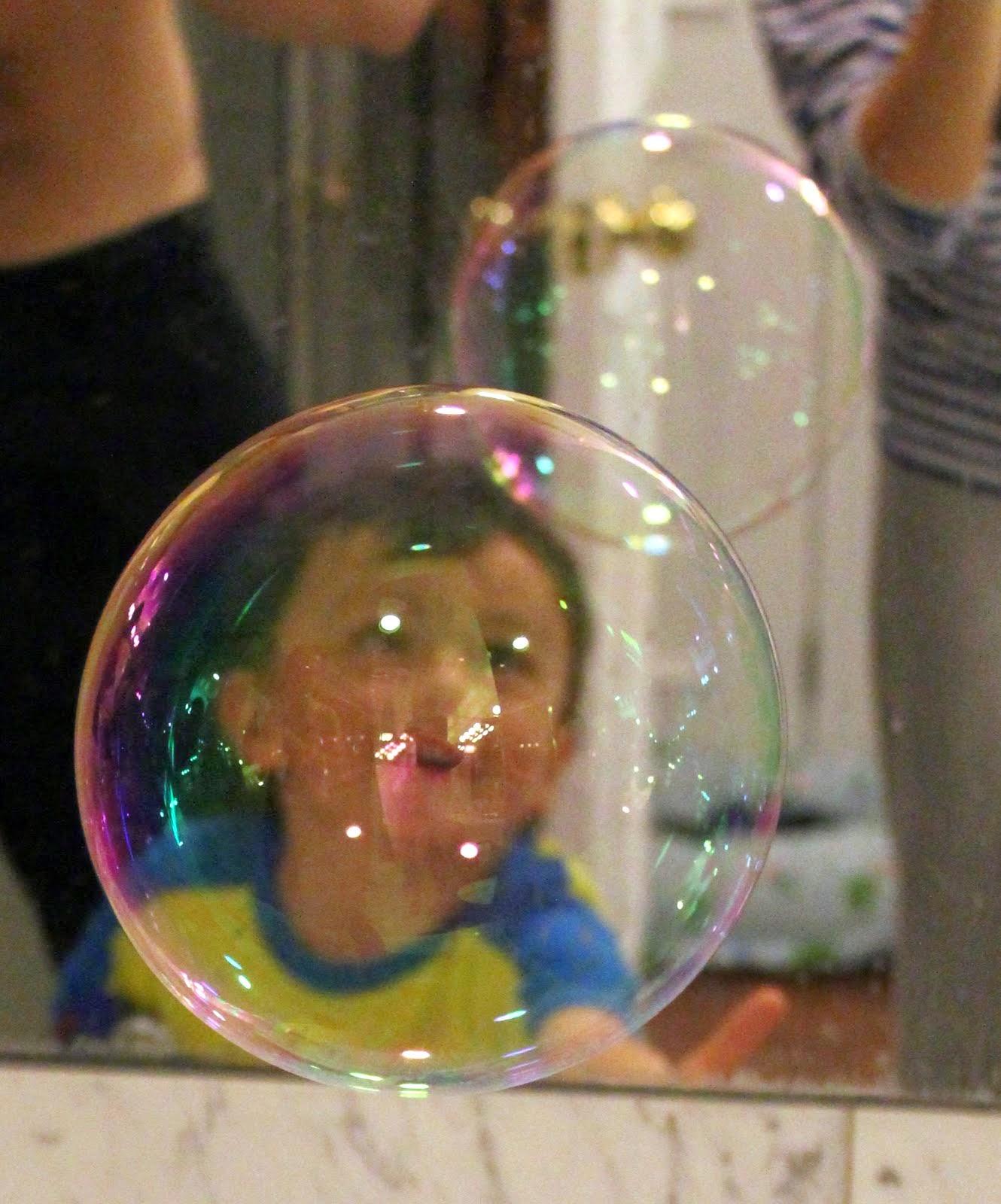 Как сделать шоу мыльных пузырей в домашних условиях 9