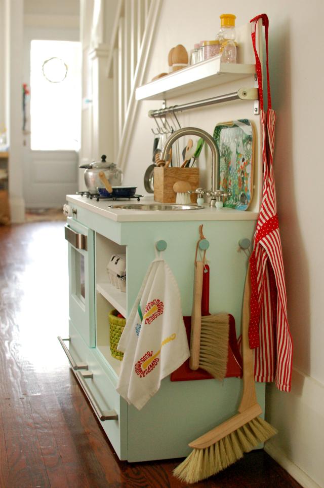 mint play kitchen - natural bristles child's broom