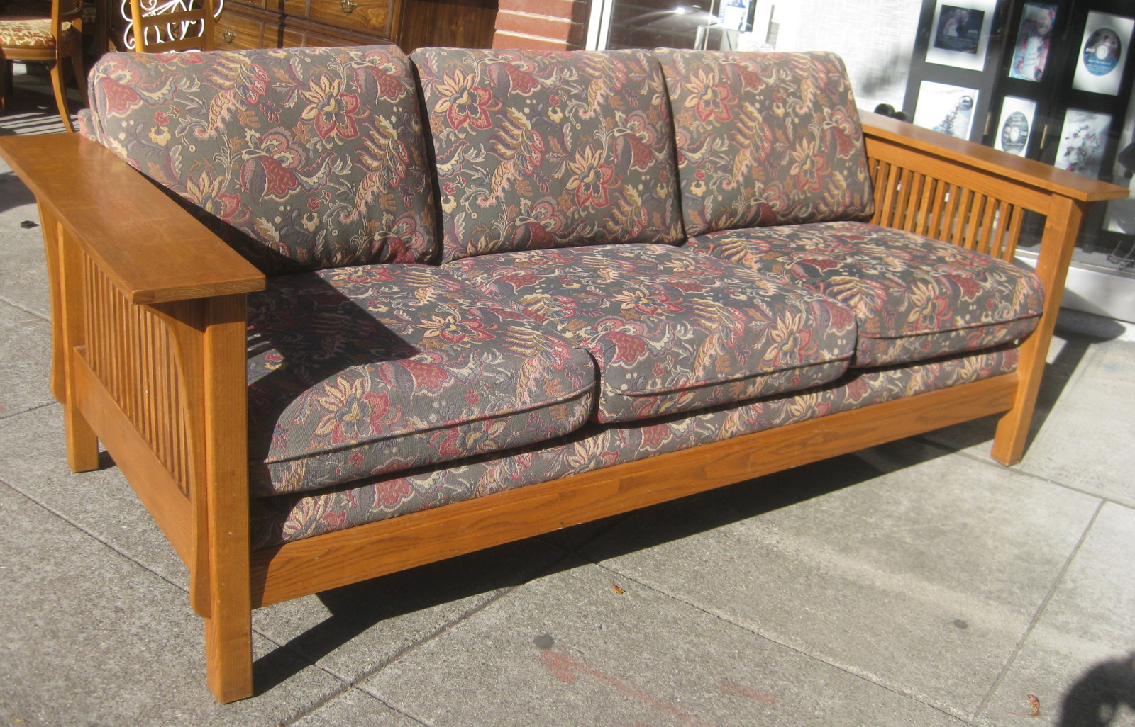 Superb SOLD   Mission Sofa   $100