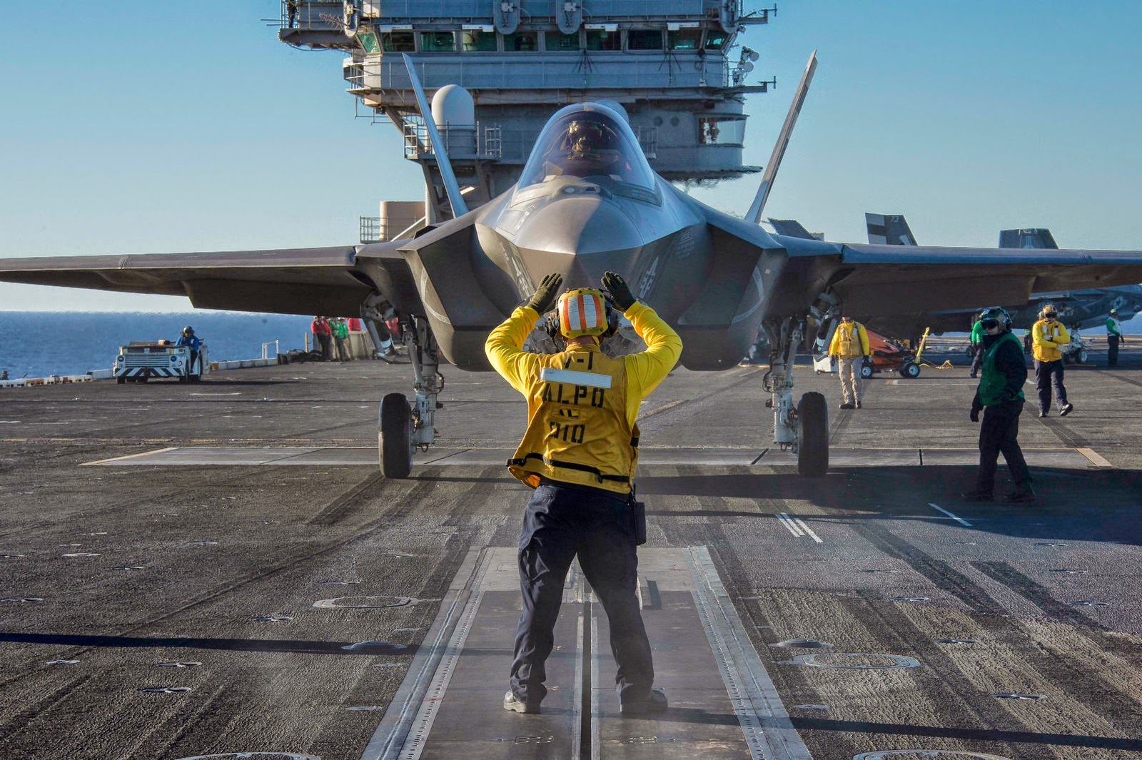 F-35 carrier takeoff