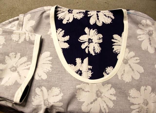 белая отделка на платье