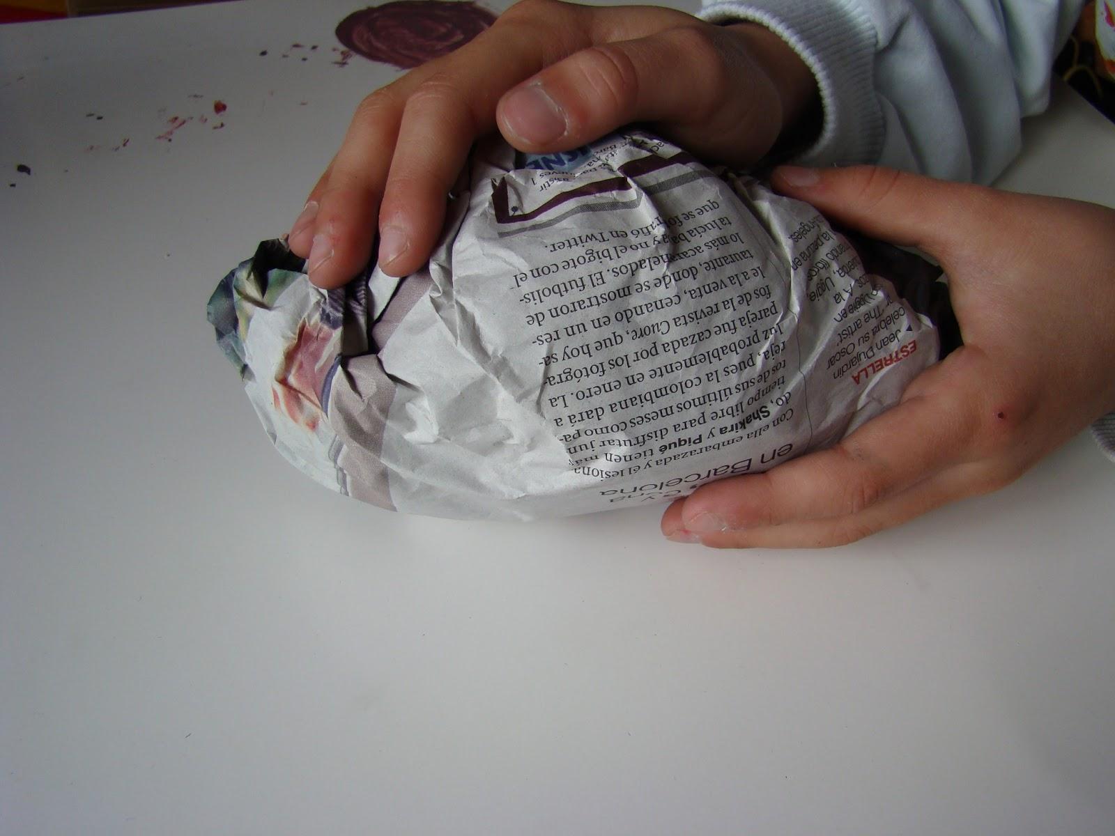 Cosas de una cantimplora: cabeza de ciervo en papel maché