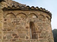 Detall de les arcuacions sense lesenes de Sant Miquel de Vilageriu