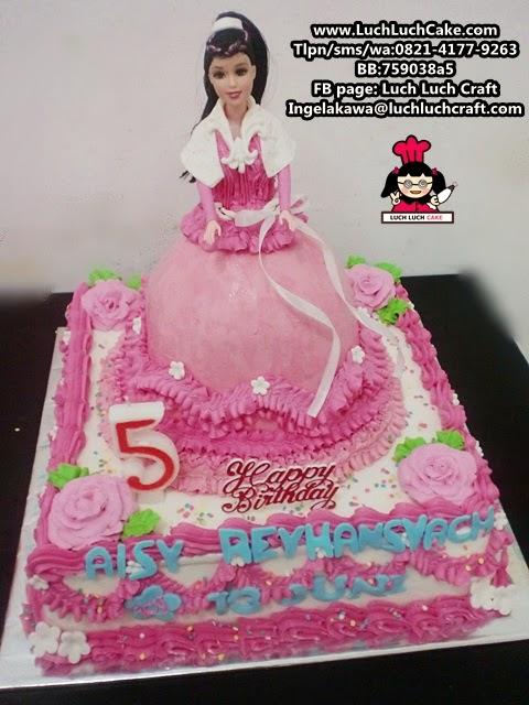 kue tart ulang tahun tema princess barbie