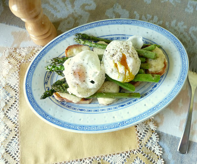 Poached Eggs and Asparagus on Grilled Cheese Toast