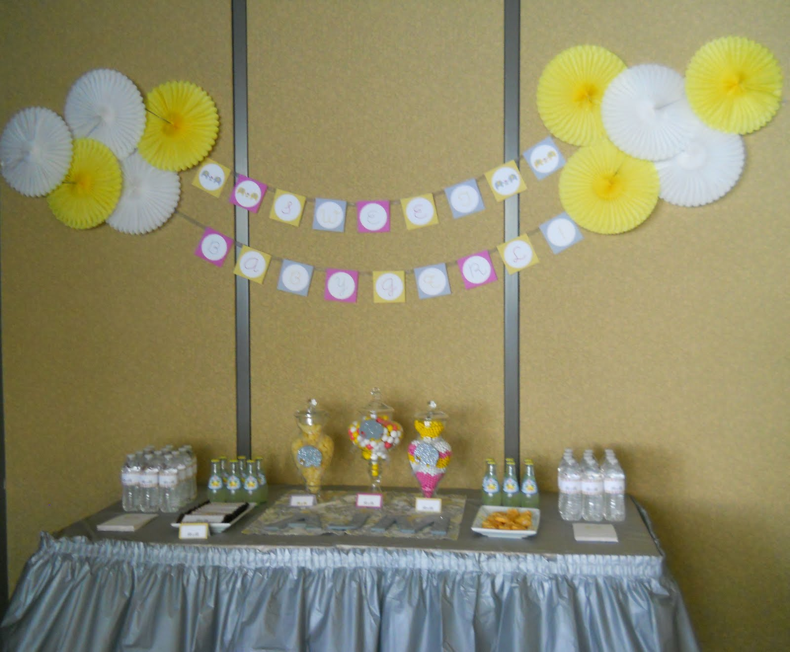 Baby shower decoration ideas interior home design for Baby shower wall decoration ideas