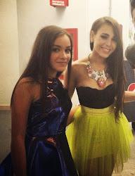 La cantante Angie Vázquez con Danna Paola, también cantante y actriz | Ximinia