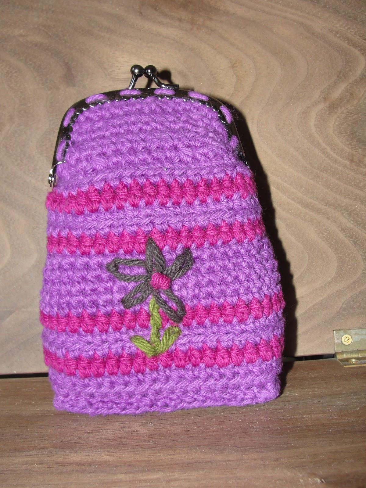 Free Crochet Pattern For Cigarette Case : libertycrochet: Carry-all cigarette case*