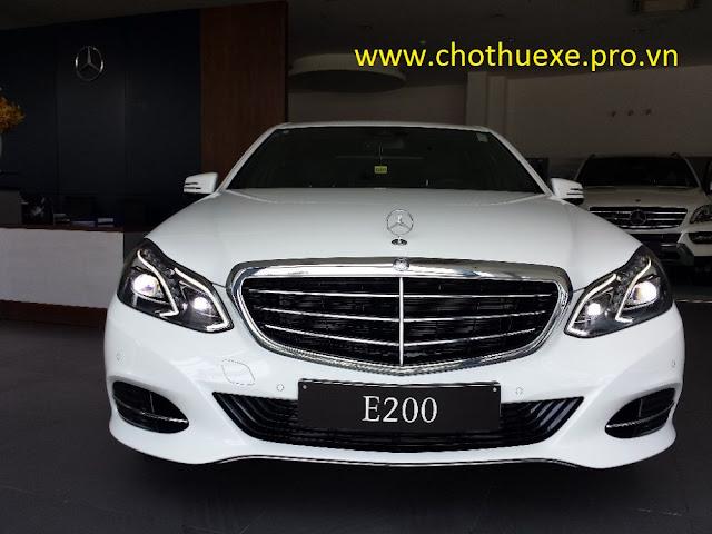 Cho thuê xe 4 chỗ Mercedes E250 mạnh mẽ