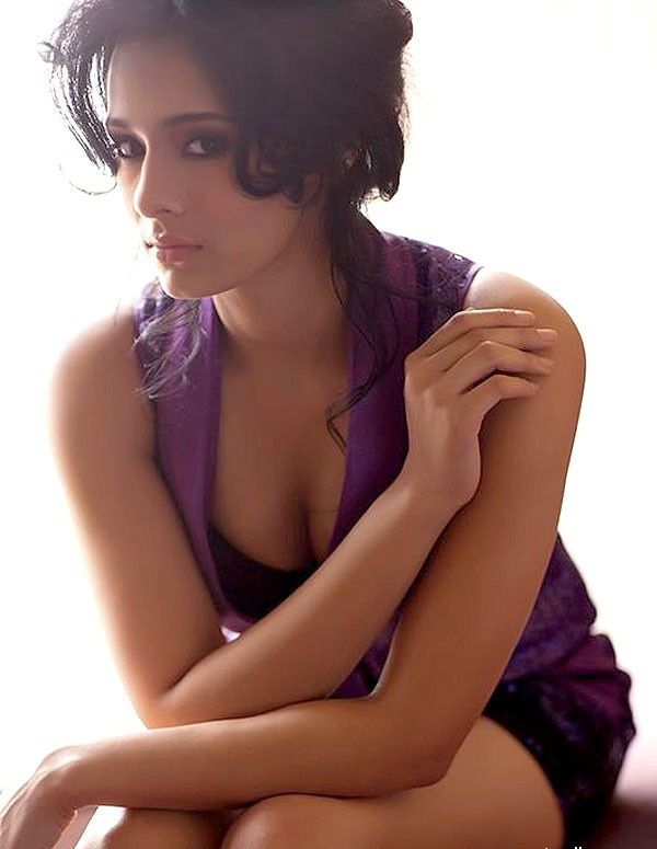 ESPN Anchor Mayanti Hot Photo Shoot Photos
