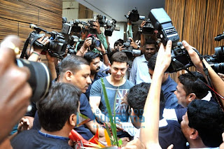 Aamir Khan meets the media on his 49th birthday