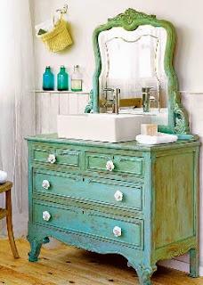 http://www.guiademanualidades.com/un-lavabo-retro-con-viejos-muebles-32491.htm#more-32491