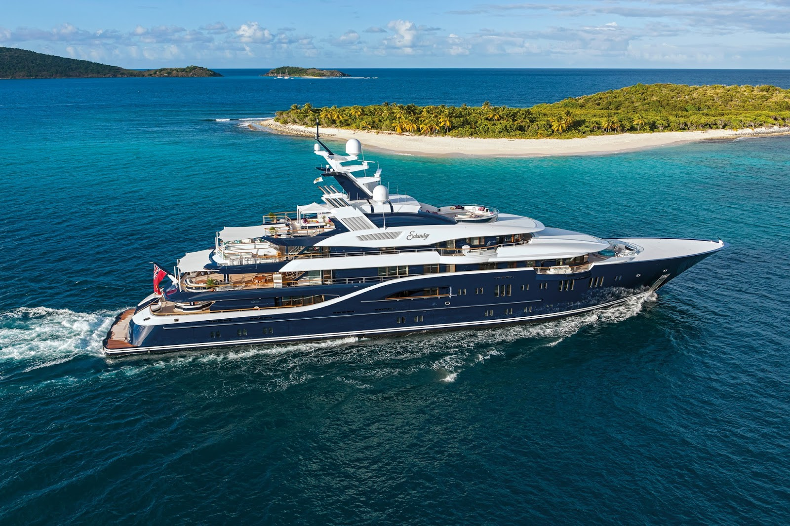Superyacht SOLANDGE Starboard