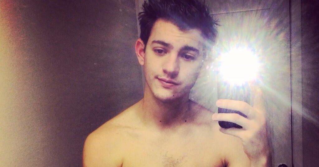 The Stars Come Out To Play: Jackson Guthy - New Shirtless