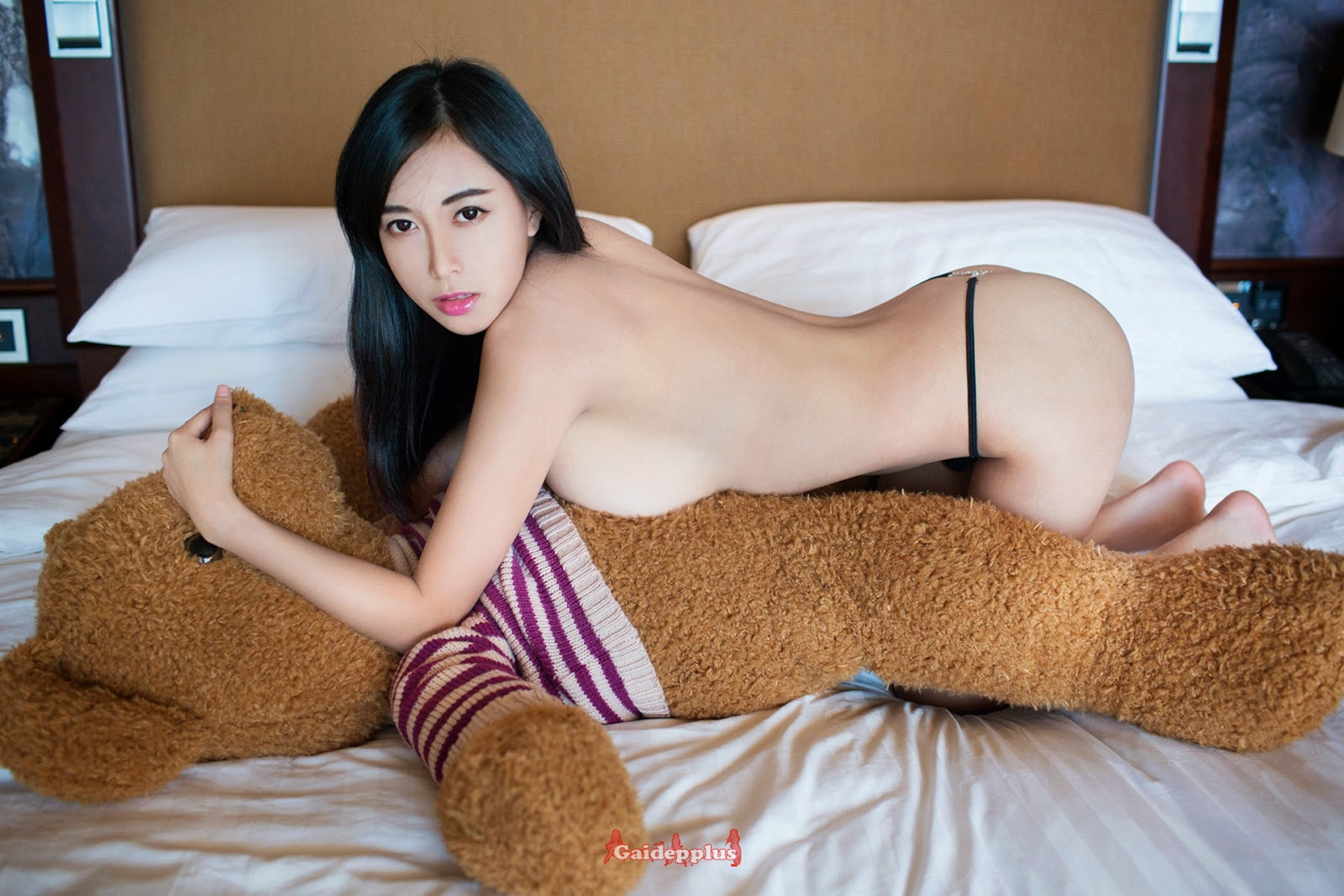 Bear naked girl with
