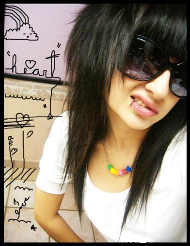 http://3.bp.blogspot.com/-DqruOh9bgpo/Ta_Gm7w_lWI/AAAAAAAAAM0/seS5X8ce75c/s1600/emo-hair-for-girls-b.jpg