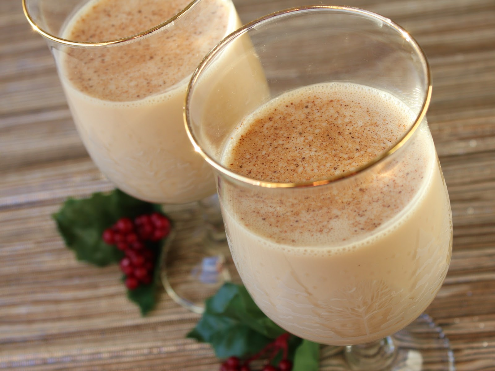 Delicious as it Looks: December Cocktail: Eggnog Russian