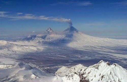 Kluchevsky_Zhupanovsky_volcano_eruption_Russia