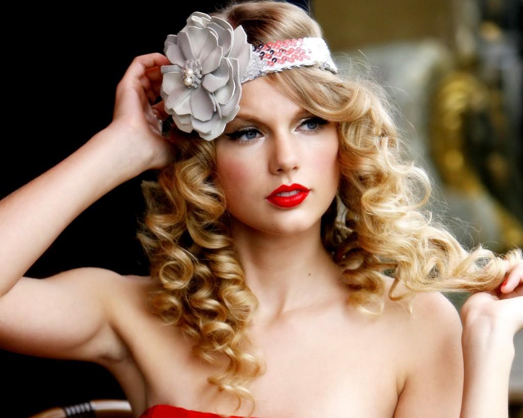 http://3.bp.blogspot.com/-Dqxm5pfNs5Y/URNxR7si12I/AAAAAAAAAxc/0vTvxUEovV0/s1600/Taylor-Swift4-1024x819.jpg