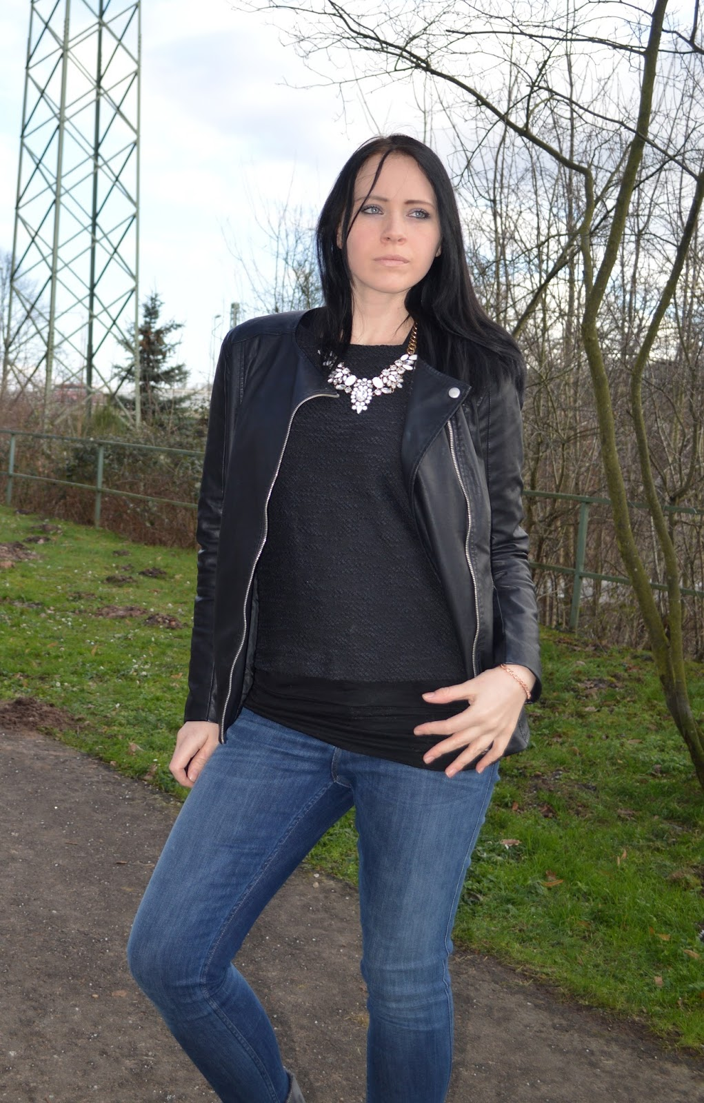 Beautiful Fairy - Lee - Jeans - Pullover - Lederjacke