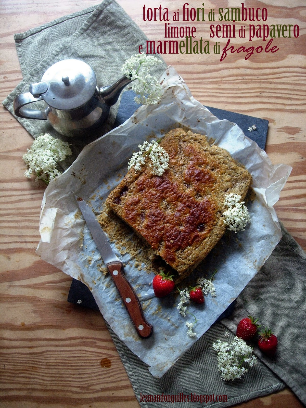 torta ai fiori di sambuco, limone, semi di papavero e marmellata di fragole