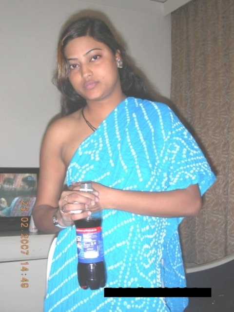 indian desi lesbian aunty in hot mood   nudesibhabhi.com