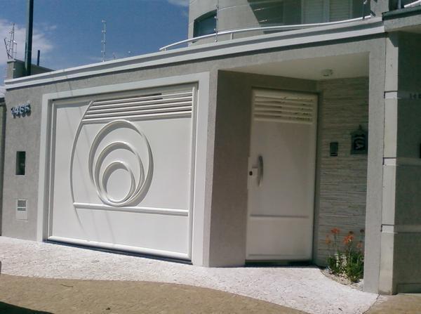 Que tal um portão assim na sua casa? Ligue e confira o preço.