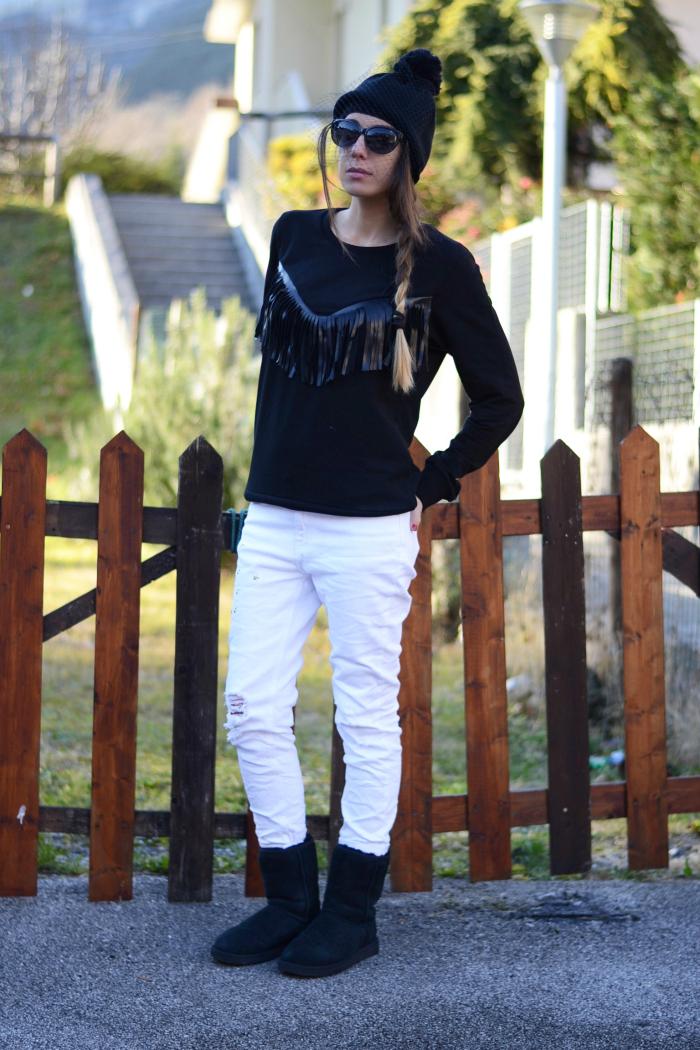 jeans bianchi felpa nera
