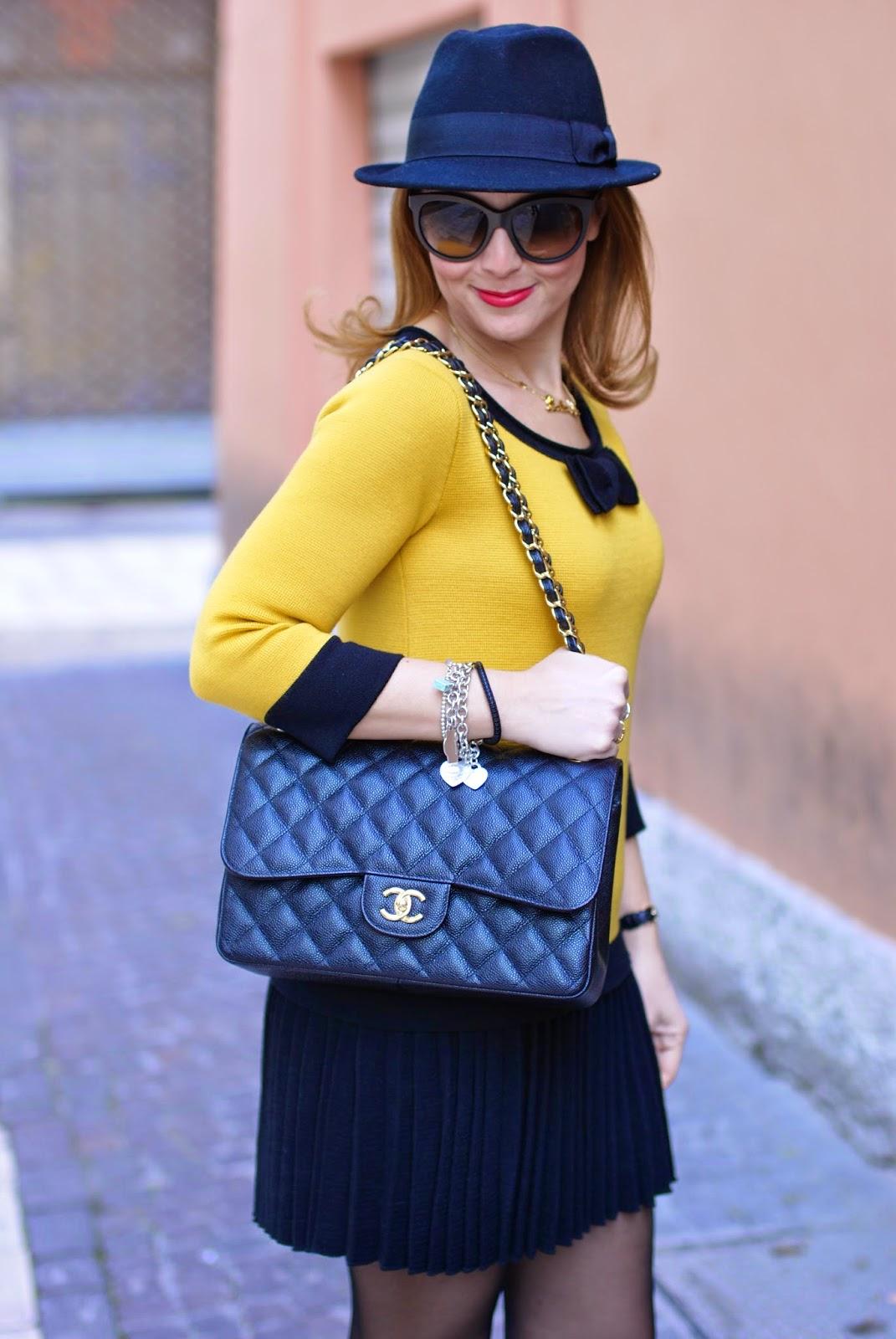 twin-set simona barbieri dress, short dress with black sheer tights, fedora H&M, Chanel 2.55 classic flap, Fashion and Cookies fashion blog, fashion blogger