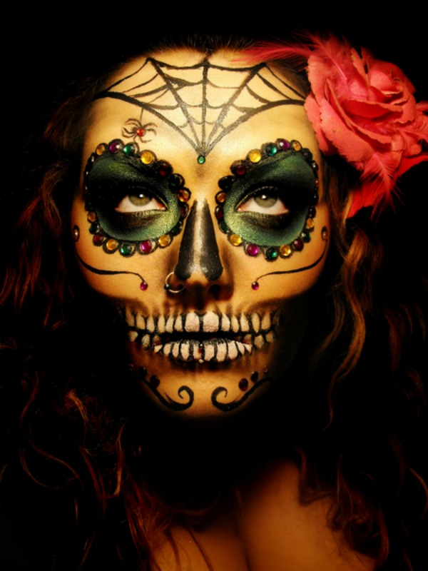 Recently I came across this Dia de los Muertos makeup by Denali B. I