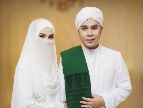 Adam dan Fiza Selamat Menjadi Suami Isteri