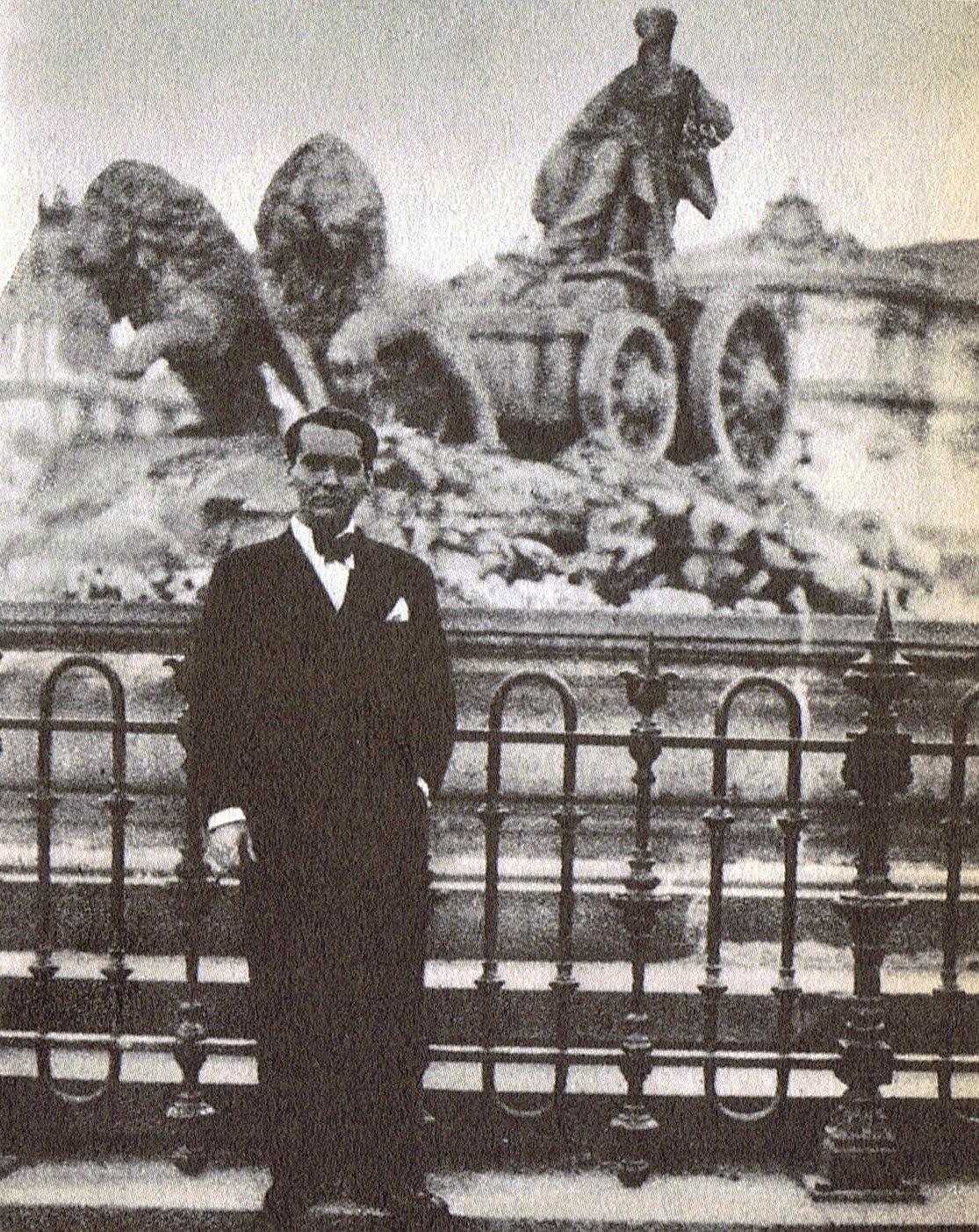 Lorca ante la Cibeles en 1933