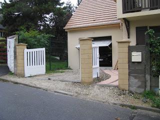 je fais construire ma maison portail et portillon 6 7. Black Bedroom Furniture Sets. Home Design Ideas