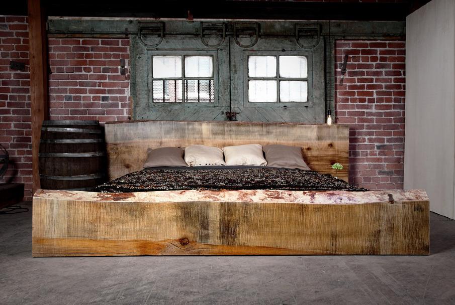 Industrial chic bedroom bed lighting decor design frog for Industrial bedroom designs
