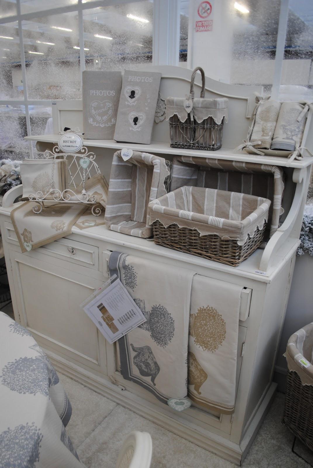 Ma maison con questo caldo blanc mar cl ci propone la nuova collezione invernale - Blanc mariclo mobili ...