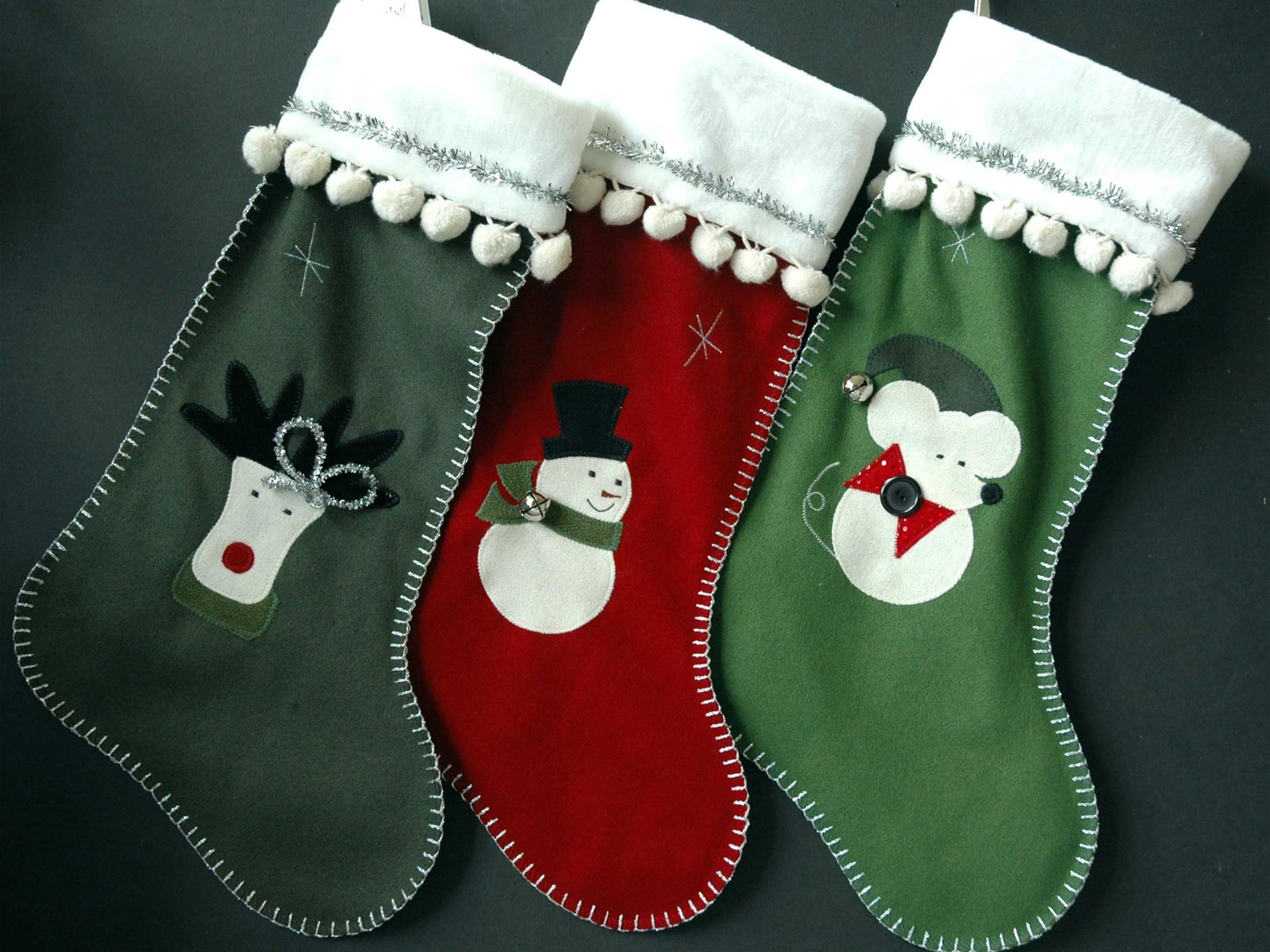 http://3.bp.blogspot.com/-DswchssevZQ/UL36nCpDRQI/AAAAAAAAA-4/x9WBgGiDuUs/s1600/Christmas_Stockings.jpg