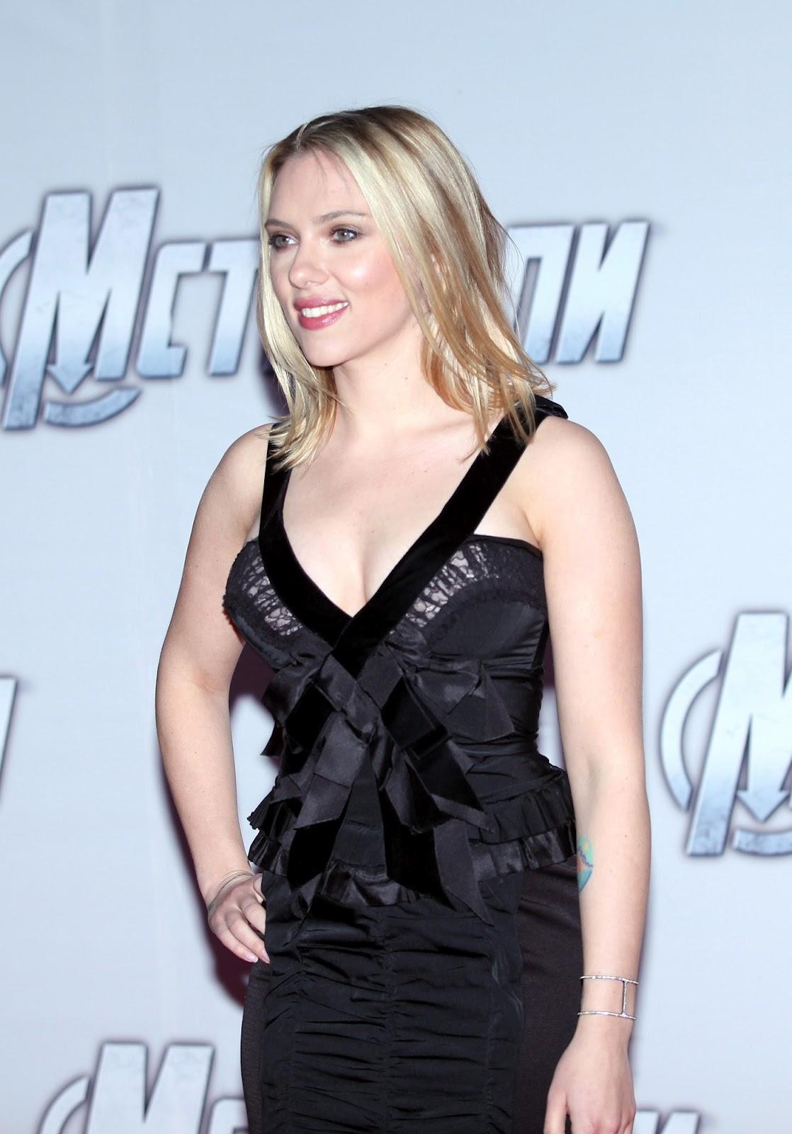 http://3.bp.blogspot.com/-DsyUEKTeoqg/T4_dMtkk5PI/AAAAAAAABAs/rKewI7SYTMA/s1600/Scarlett_Johansson_The_Avengers_premiere_Moscow_2012_05.jpg