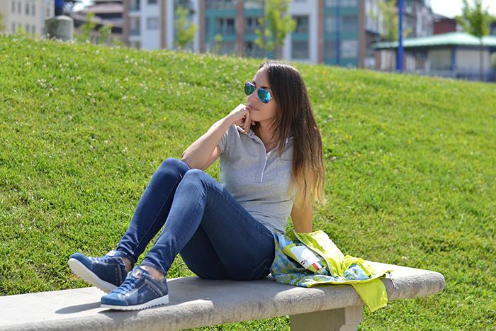jeans skinny sneakers blu