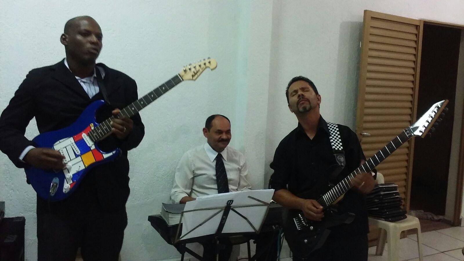 Pr. Weliton e o guitarrista Vanailson