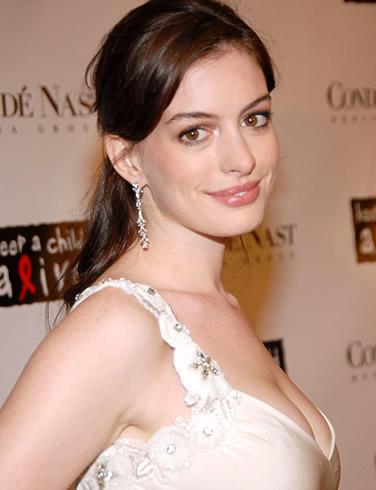 Anne Hathaway American performer